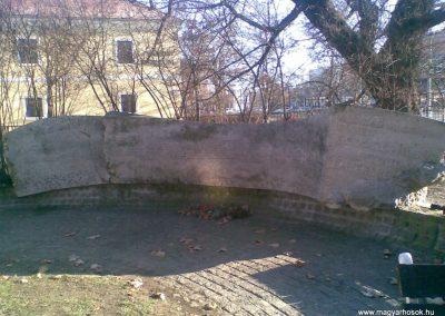 Gödöllő II.vh emlékmű 2009.12.28. küldő-Huszár Peti