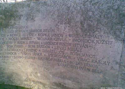 Gödöllő II.vh emlékmű 2009.12.28. küldő-Huszár Peti (6)