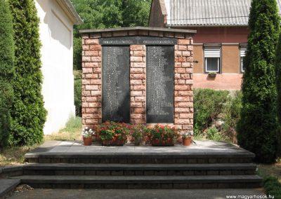 Gödre II.vh emlékmű 2007.08.05.küldő-Kályhás