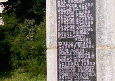 Gölle világháborús emlékmű 2016.08.21. küldő-Sümec (4)