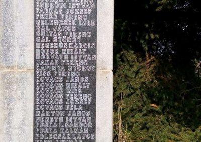 Gölle világháborús emlékmű 2016.08.21. küldő-Sümec (5)