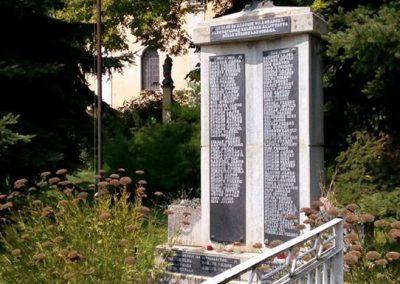 Gölle világháborús emlékmű 2016.08.21. küldő-Sümec (8)