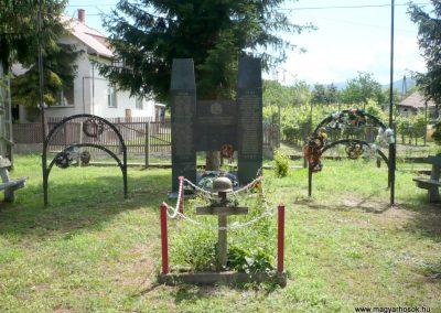 Göncruszka világháborús emlékmű 2012.07.17. küldő-Sümec (1)