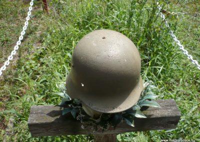 Göncruszka világháborús emlékmű 2012.07.17. küldő-Sümec (12)