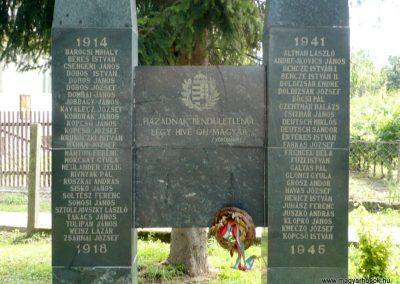 Göncruszka világháborús emlékmű 2012.07.17. küldő-Sümec (3)