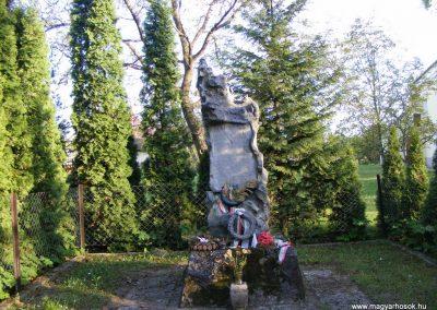 Gönyü I.vh emlékmű 2012.04.27. küldő-Méri