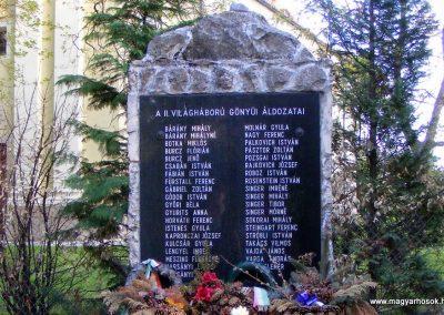 Gönyü II.vh emlékmű 2012.04.27. küldő-Méri (1)