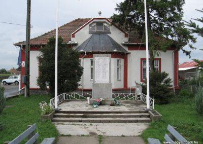 Görbeháza II.vh emlékmű 2008.07.15.küldő-Kályhás