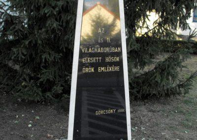 Görcsöny világháborús emlékmű 2012.07.31. küldő-KRySZ (1)