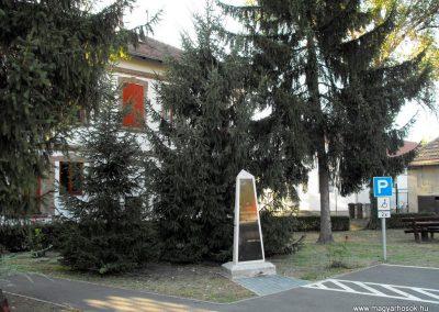Görcsöny világháborús emlékmű 2012.07.31. küldő-KRySZ