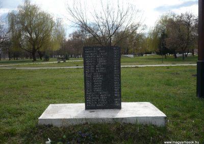 Gúta II.vh emlékmű 2010.03.27. küldő-Felvidéki betyár (2)