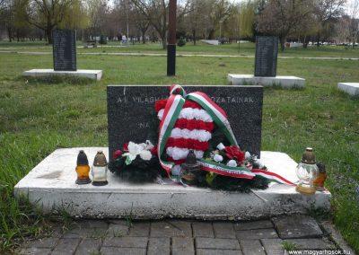Gúta II.vh emlékmű 2010.03.27. küldő-Felvidéki betyár (3)