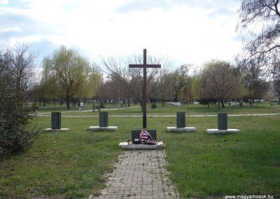 Gúta II.vh emlékmű 2010.03.27. küldő-Felvidéki betyár