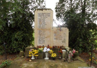 Gadány II. világháborús emlékmű 2014.10.25. küldő-kalyhas (2)