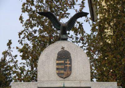 Galambok világháborús emlékmű 2009.11.28. küldő-Brilly (3)