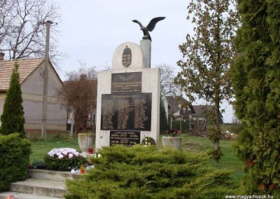 Galambok világháborús emlékmű 2009.11.28. küldő-Brilly (8)