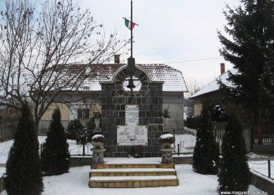 Galgaguta II.vh emlékmű 2010.01.26. küldő-kalyhas (2)