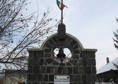 Galgaguta II.vh emlékmű 2010.01.26. küldő-kalyhas (7)