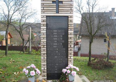 Galgagyörk II.vh emlékmű 2009.11.09. küldő-kalyhas (1)