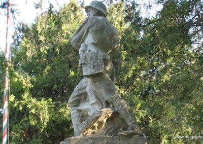 Galgahévíz világháborús emlékmű 2009.04.10. küldő-kalyhas (10)