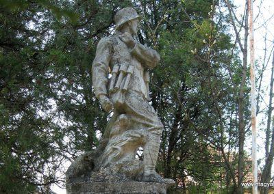 Galgahévíz világháborús emlékmű 2009.04.10. küldő-kalyhas (5)