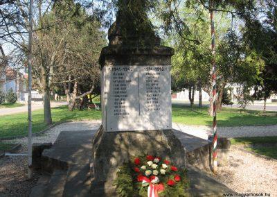 Galgahévíz világháborús emlékmű 2009.04.10. küldő-kalyhas (7)