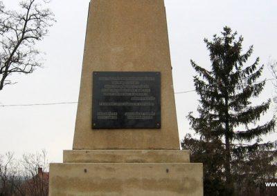 Galgamácsa világháborús emlékmű 2009.02.10. küldő-kalyhas (7)
