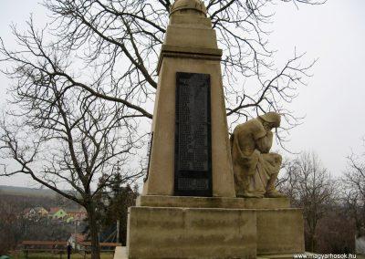 Galgamácsa világháborús emlékmű 2009.02.10. küldő-kalyhas (8)