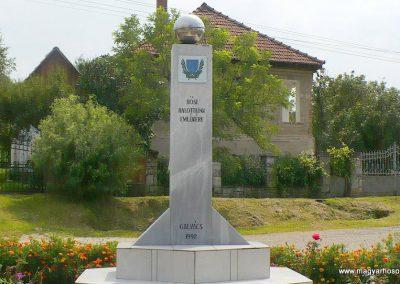 Galvács világháborús emlékmű 2010.08.14. küldő-Gombóc Arthur (1)