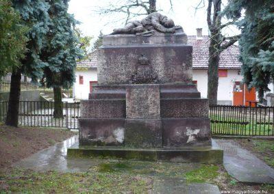 Gamás világháborús emlékmű 2009.12.09. küldő-Sümec (1)