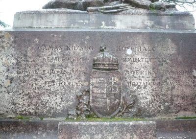 Gamás világháborús emlékmű 2009.12.09. küldő-Sümec (3)