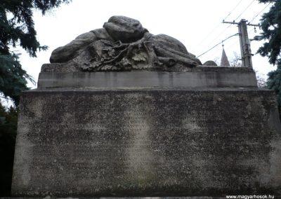 Gamás világháborús emlékmű 2009.12.09. küldő-Sümec (5)