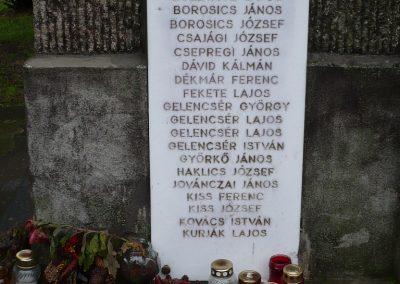 Gamás világháborús emlékmű 2009.12.09. küldő-Sümec (6)