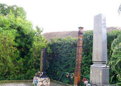 Garamszentgyörgy világháborús emlékművek 2010.06.20. küldő-Fűri Attila (4)-1