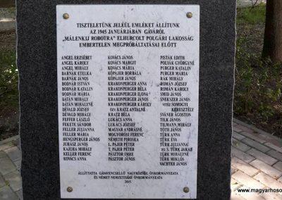 Gavavencsello_Gava_II. világháborús emlékmű kiegészítve a gulágra hurcoltak emléktábláival 2018.11.12. küldő-Eszterhai Zsuzsa (2)