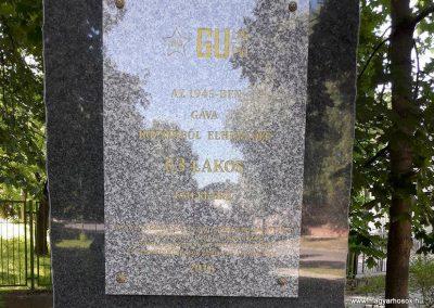Gavavencsello_Gava_II. világháborús emlékmű kiegészítve a gulágra hurcoltak emléktábláival 2018.11.12. küldő-Eszterhai Zsuzsa (3)