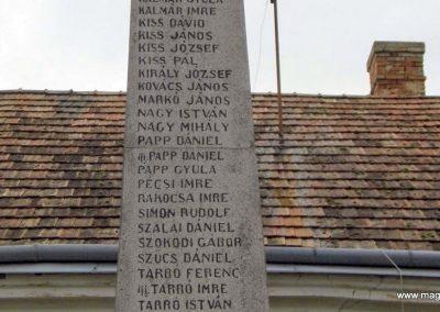 Gecse I. világháborús emlékmű 2014.10.07. küldő-Méri (4)