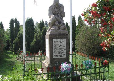 Gelej világháborús emlékművek 2007.08.23. küldő-Kályhás (1)