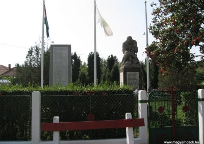 Gelej világháborús emlékművek 2007.08.23. küldő-Kályhás