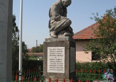 Gelej világháborús emlékművek 2007.08.23. küldő-Kályhás (5)