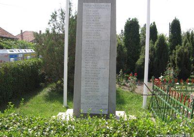 Gelej világháborús emlékművek 2007.08.23. küldő-Kályhás (6)
