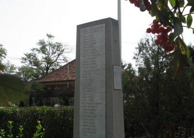 Gelej világháborús emlékművek 2007.08.23. küldő-Kályhás (9)