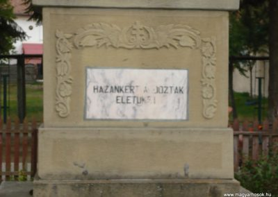 Gelence Hősi emlékmű 2009.08.21.küldő-Ágca (10)
