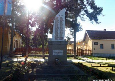 Gelence hősi emlékmű 2016.07.14. küldő-kalyhas (2)