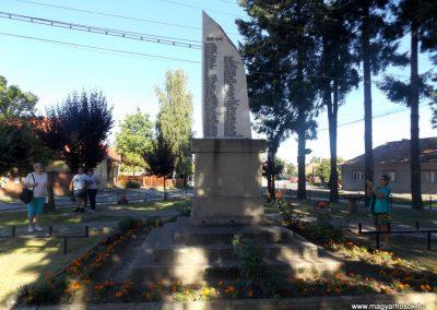 Gelence hősi emlékmű 2016.07.14. küldő-kalyhas (7)