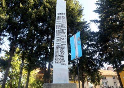 Gelence hősi emlékmű 2016.07.14. küldő-kalyhas (9)