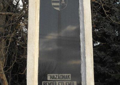 Gencsapáti világháborús emlékmű 2009.01.16.küldő-gyurkusz (2)