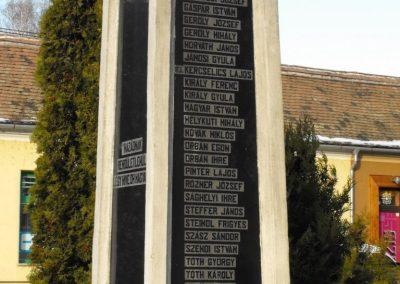 Gencsapáti világháborús emlékmű 2009.01.16.küldő-gyurkusz (4)