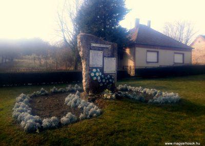 Geresdlak II. világháborús emlékmű 2016.01.26. küldő-KRySZ