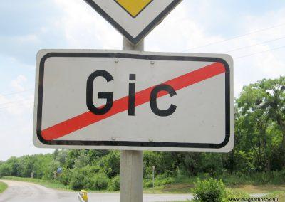 Gic 1945-ig jóformán a grófi kastélyból és a cselédházakból állt a község.Nincs világháborús emlékmű.